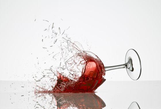 La ayuda librarse de la dependencia alcohólica